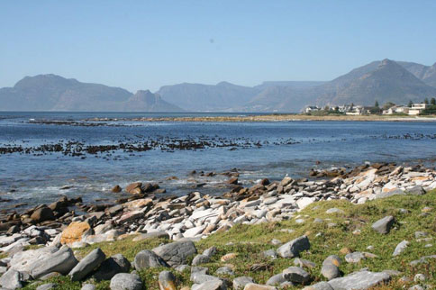 cape-town-kommetjie-a-seaside-place-long-beach