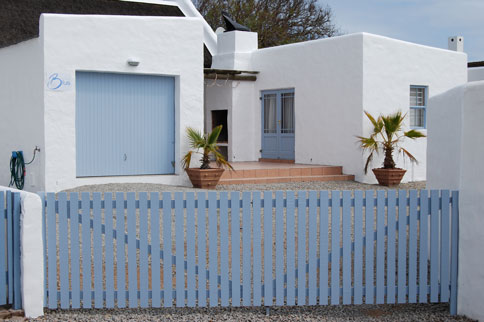 paternoster-natural-blue-self-catering-cottage-01