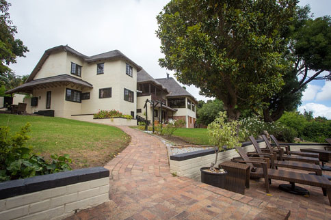 somerset-west-winelands-villa-guesthouse-and-cottages-01